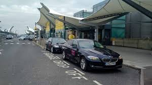 Advantages Of Booking Online Heathrow Airport Transfers