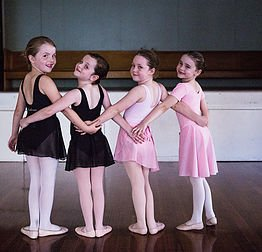 Best Dancing & Musical Theatre Classes For Kids