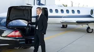 Hire A Affordable Heathrow To Gatwick Airport Taxi Service
