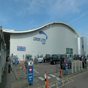 5 Ways To Get Home From The Airport Via Leicester Airport Transfers