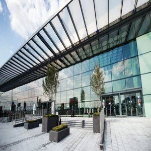 How To Getting To And From Leicester Airport?