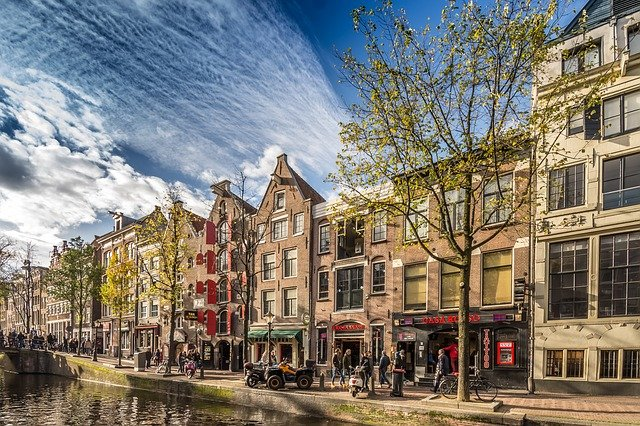 Why Visiting Amsterdam Is A Great Travel Experience?